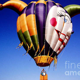 Gary Gingrich Galleries - Balloons-Jester-2766