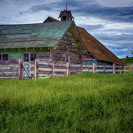 Janet Ballard - Barn and Fence in Palouse