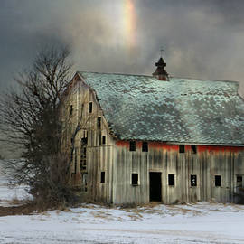 Kathy Krause - Barn And Sundog