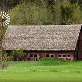 Kathy Krause - Barn And Windmill