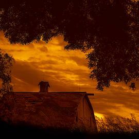 Nikolyn McDonald - Barn - At Sunset - Nebraska