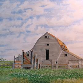 David Wolfer - Barn In The Grass