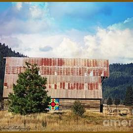 Bobbee Rickard - Barn Quilt Americana