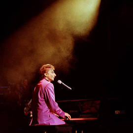 Gary Gingrich Galleries - Barry Manilow-0803