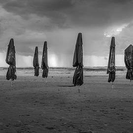 Kobi Amiel - Beach umbrellas / Winter is coming