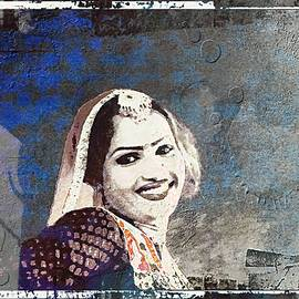 Sue Jacobi - Beautiful Dancer Portrait Woman Blue Rajasthani Udaipur India 1b