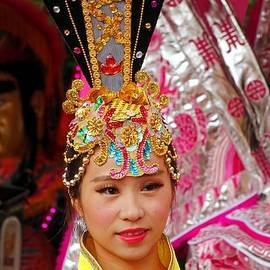 Yali Shi - Beautiful Female Dancer at the Third Prince Temple Festival