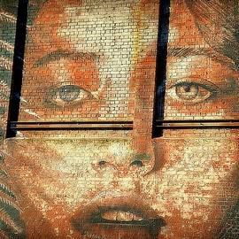 Toni Abdnour - Beauty On Brick