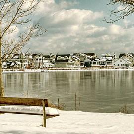 Geraldine Scull - Bench on icy Lake Como