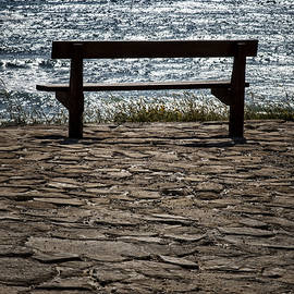Mike Santis - Bench over the sea