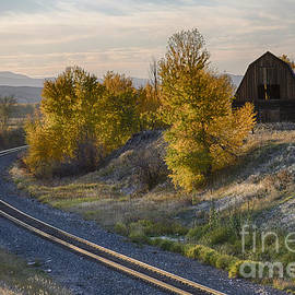 Idaho Scenic Images Linda Lantzy - Bend in the Tracks