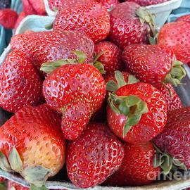 Lingfai Leung - Berry Delicious