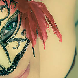 Loriental Photography - Beyond the Mask #02
