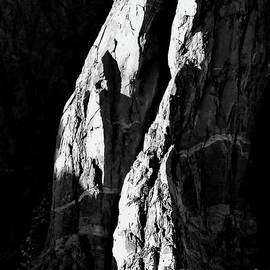 Tim Richards - Black Canyon Slabs BW