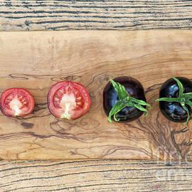 Black Tomatoes Indigo Rose - Tim Gainey