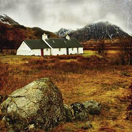 Jacqi Elmslie - Blackrock Cottage Glencoe