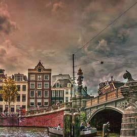 Hanny Heim - Blauwbrug -Blue Bridge-