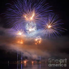 Gregory DUBUS - Blue and gold Fireworks Display