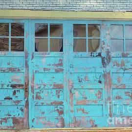 Janette Boyd - Blue Doors in Georgetown