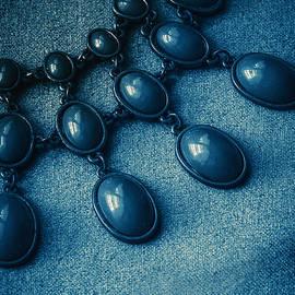 Jaroslaw Blaminsky - Blue drops