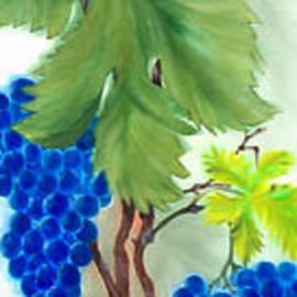 Angelina Roeders - Blue Grape.