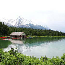 Christiane Schulze Art And Photography - Boat House On Maligne Lake
