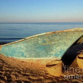 Noa Yerushalmi - Boat on Beach
