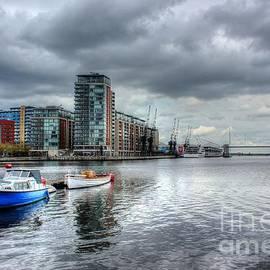 Vicki Spindler - Boats on the Thames HDR