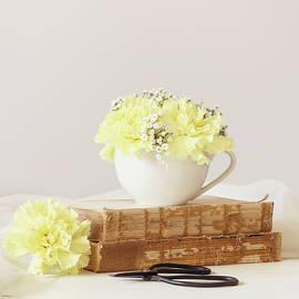 Kim Hojnacki - Books and Flowers