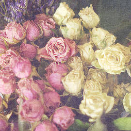 Suzanne Powers - Bouquet Of Romantic Faded Roses