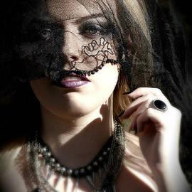Chanel Fernandez - Breaking Forth