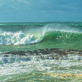 Geoff Childs - Breaking Surf Seascape.... Exclusive Original stock Photo Art di