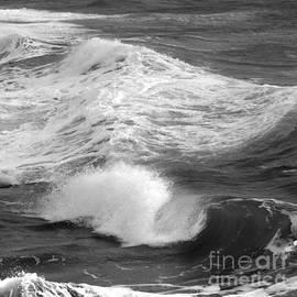 Paul Davenport - Breaking waves. 3