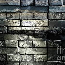 Jolanta Anna Karolska - Brick wall