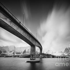 Pawel Klarecki - Bridge to Lofoten