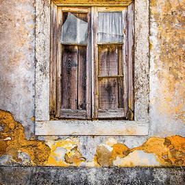 Carlos Caetano - Broken Window