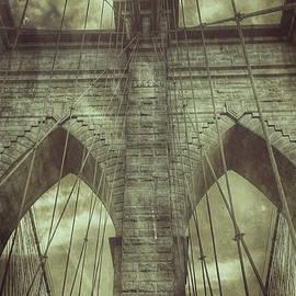 Diane Hawkins - Brooklyn bridge detail