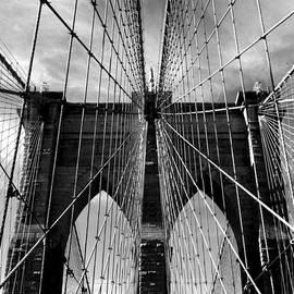 Jessica Jenney - Brooklyn Bridge in Monochrome