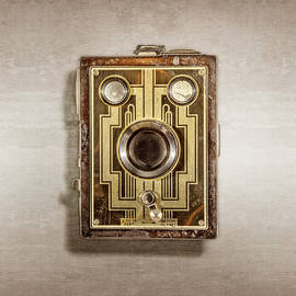 Brownie Six-20 Front - YoPedro