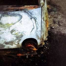 Julian Darcy - Burn out