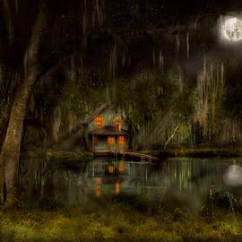 Mike Savad - Cabin - De Land, FL - Restless night 1904