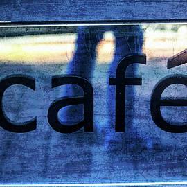 Karol Livote - Cafe