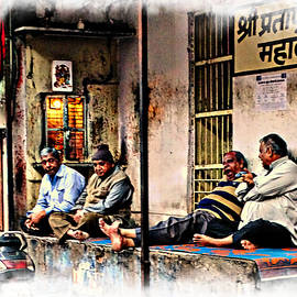 Sue Jacobi - Candid Bored Yawn PJ Exotic Travel Blue City Streets India Rajasthan 1a