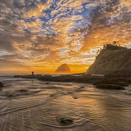 Cape Kiwanda Sunset - Exquisite Oregon