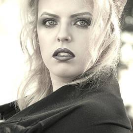 Chanel Fernandez - Captured Glance