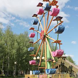 Evgeny Pisarev - Carousel