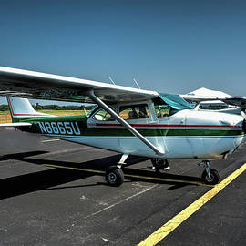 John Straton - Cessna 172 Green