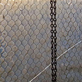Kevin Anderson - Chains Cracked Glass and Wire