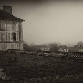 Hugh Smith - Chateau in Autumn Mist