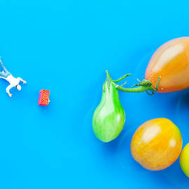 Paul Ge - Chef Tumbled In Front Of Colorful Tomatoes II Little People On Food